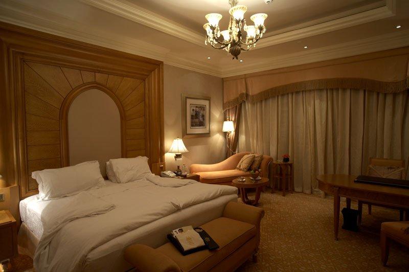 Emirates Palace Abu Dhabi - The room