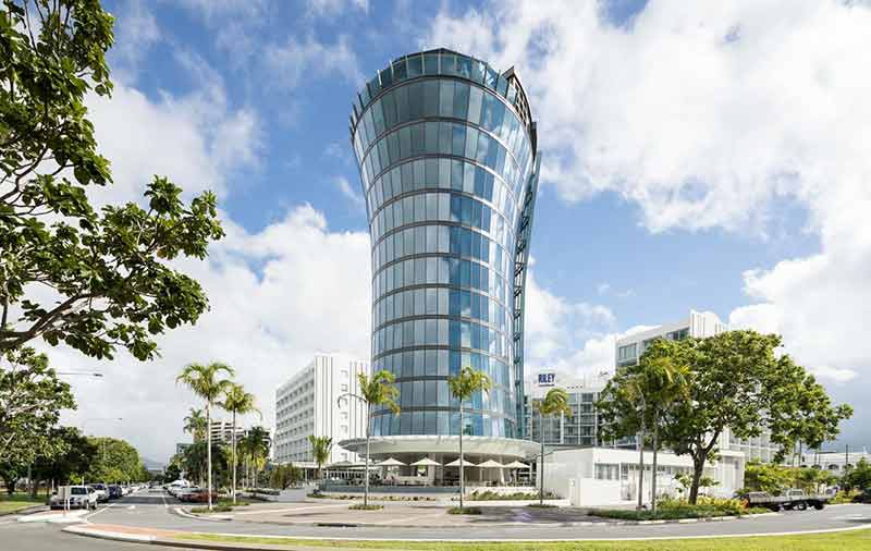 luxury escape in Cairns