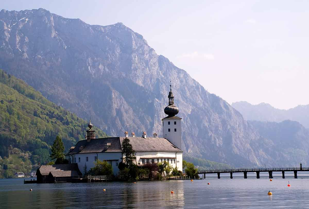 pictures of castles in Austria (ort castle on the lake)